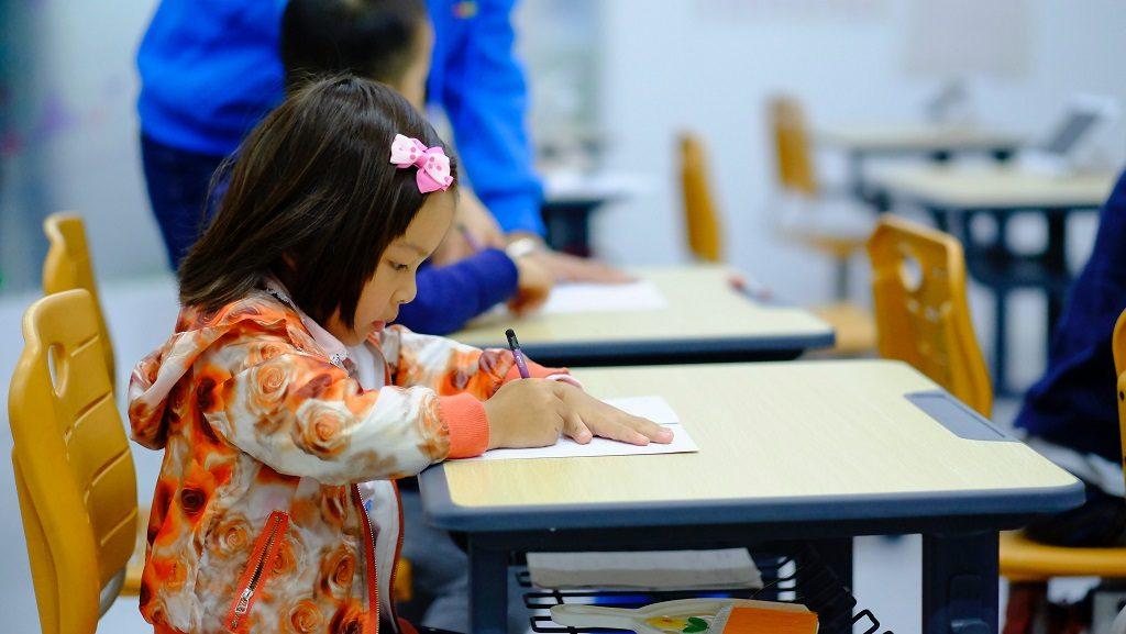 自習室利用の生徒さんをイメージした画像