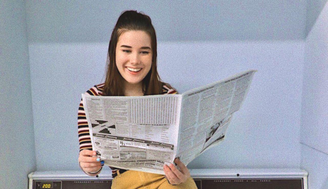 新聞1面コラムを活用しているイメージ画像